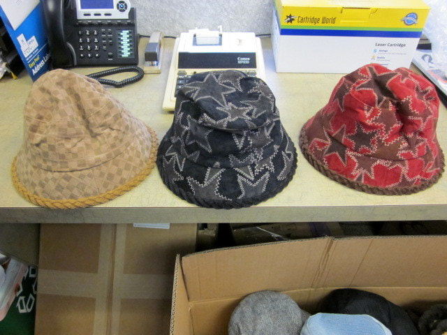 25860 - For Sale: 400,000 Unisex Sexy Hats USA