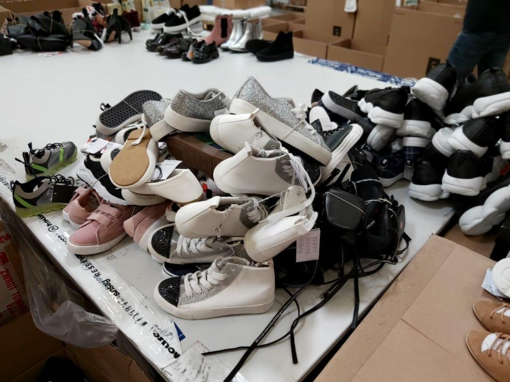 38478 - Mix load clothing/shoes/accessories Europe